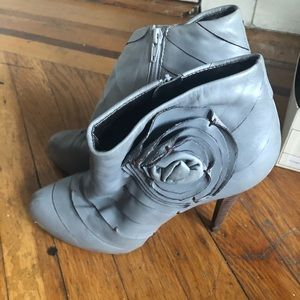 Great condition BCBG Booties